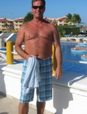 Kevin 64 y.o. from USA