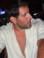 Peter 39 y.o. from Greece