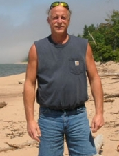 Scott 60 y.o. from USA
