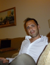Chris 45 y.o. from Qatar