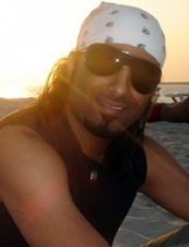 faisal 42 y.o. from UAE