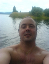Pierre 48 y.o. from Sweden
