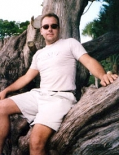adam 44 y.o. from USA