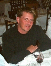 Graham 44 y.o. from Canada