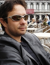 Marcelo 46 y.o. from UK