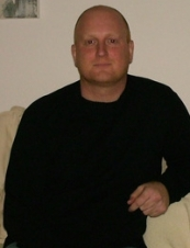 CARSTEN 46 y.o. from Denmark