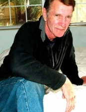 Frank 72 y.o. from USA