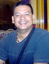 Ángel Adán 44 y.o. from Honduras
