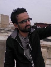 ovais 32 y.o. from USA